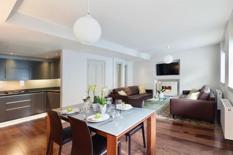 3 bedroom mews to rent - Bentinck Mews, Marylebone, London. W1U
