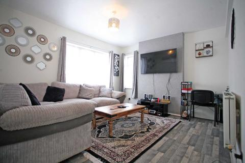 1 bedroom flat for sale - Whalebone Lane South, Dagenham, RM8