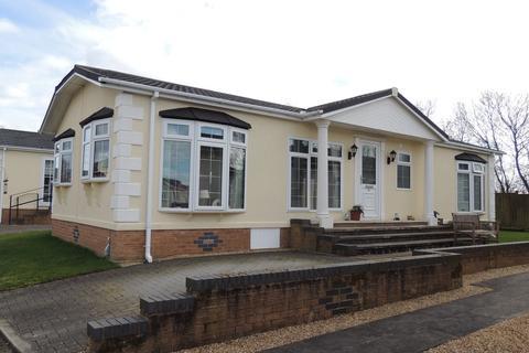 2 bedroom mobile home for sale - Kinderton Park, Middlewich