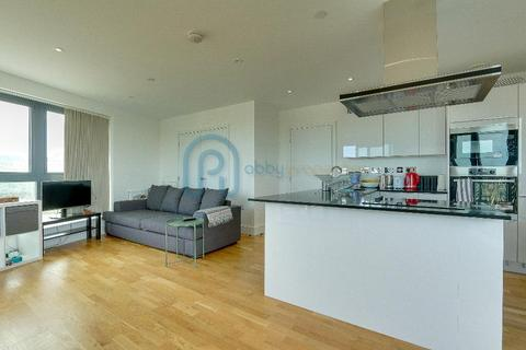 3 bedroom flat for sale - City View Point, Leven Road, Poplar, London, E14 0LL