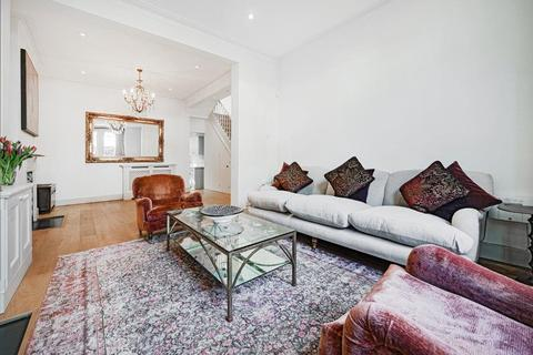 3 bedroom house to rent - Eynham Road, London,