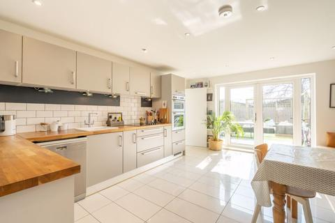 4 bedroom end of terrace house for sale - Rumbolds Close, Chichester