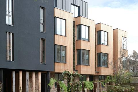 4 bedroom mews for sale - Eden House, New Road, London, N8