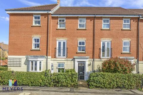 3 bedroom terraced house for sale - Malmesbury Park Road, Charminster, BH8