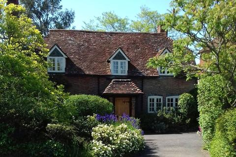 3 bedroom character property for sale - Petworth Road, Wisborough Green, Billingshurst, West Sussex, RH14