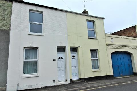2 bedroom house for sale - Invicta Road, Sheerness
