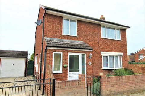 3 bedroom detached house for sale - Lowfield Road, Minster On Sea, Sheerness