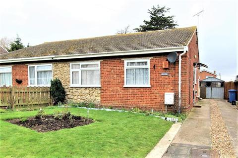 2 bedroom semi-detached bungalow for sale - Imperial Avenue, Minster On Sea, Sheerness