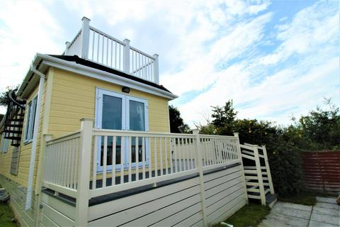 2 bedroom detached bungalow for sale - Oak Lane, Minster On Sea, Sheerness