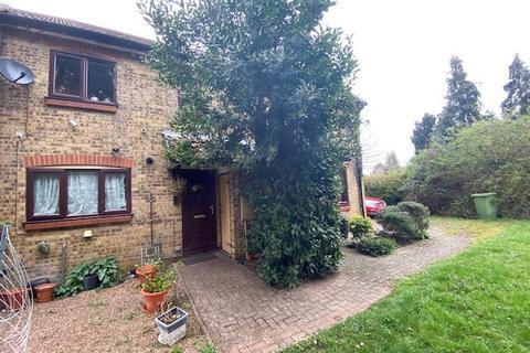 3 bedroom terraced house for sale - West End Lane, Harlington, Hayes, UB3