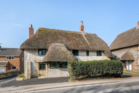 5 bedroom detached house for sale - Main Road, Winterbourne Dauntsey