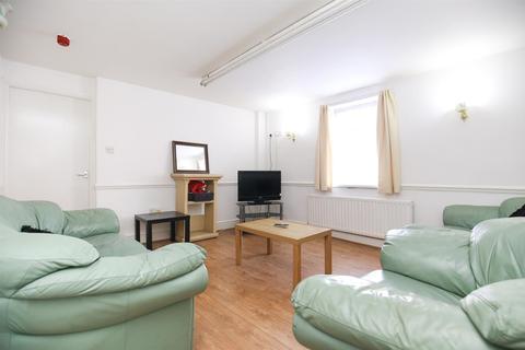 7 bedroom terraced house to rent - Elliott Terrace,  Fenham, Newcastle Upon Tyne