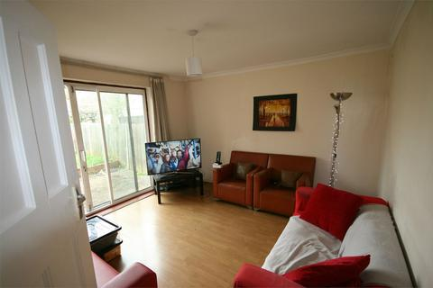 4 bedroom semi-detached house to rent - Western Avenue, Acton, W3