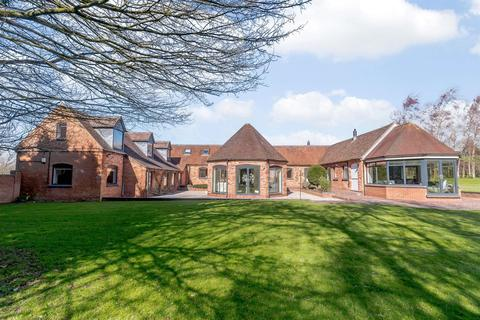 6 bedroom barn conversion for sale - Buckley Green, Henley In Arden, Solihull, West Midlands, B95 5QF
