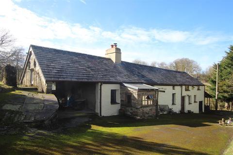 3 bedroom property with land for sale - Cwrtnewydd, Llanybydder