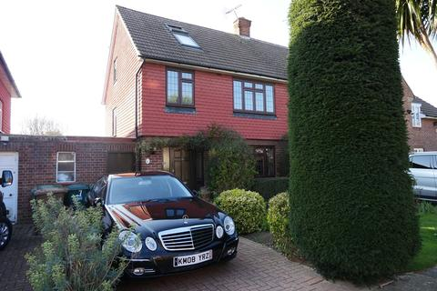 4 bedroom end of terrace house for sale - Kings Close, Staines-upon-Thames, TW18