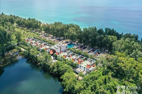 3 bedroom villa - Maikhao beach, Phuket (Beachfront hotel)