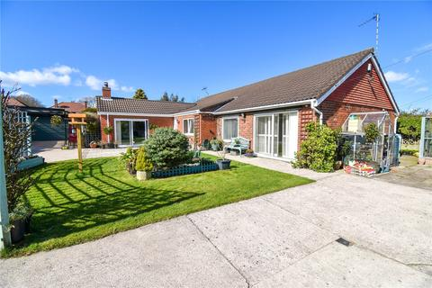 3 bedroom bungalow for sale - Park Avenue, Anston, Sheffield, S25