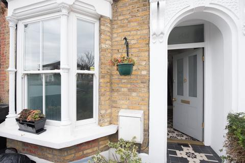 3 bedroom terraced house to rent - Colworth Road, Leytonstone, London, E11 1JD