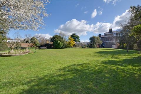 3 bedroom flat for sale - Blackheath Park, Blackheath, London, SE3