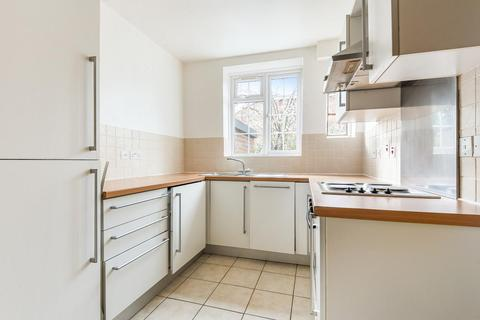 3 bedroom flat for sale - Birkenhead Avenue, Kingston upon Thames