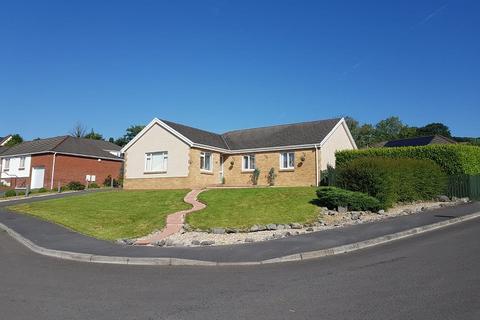 4 bedroom detached bungalow for sale - Tir Dafydd, Pontyates, Llanelli, Carmarthenshire.