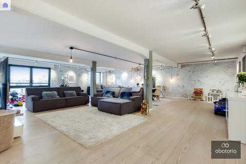 3 bedroom apartment to rent - 8 New Crane Place, London, E1W