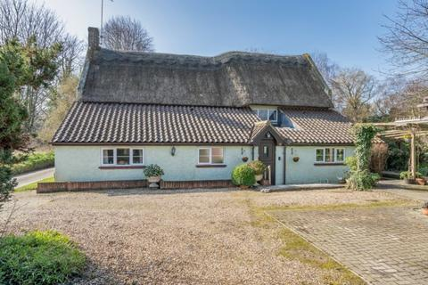 4 bedroom cottage for sale - Neatishead