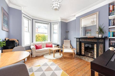 2 bedroom flat for sale - Longley Road, London, SW17