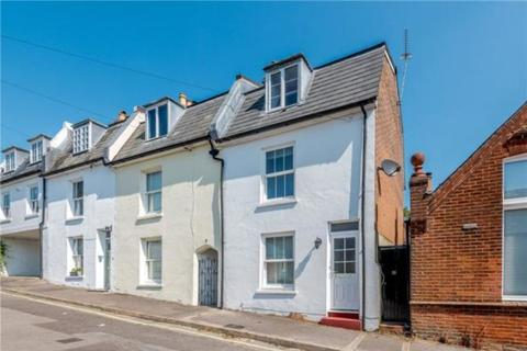 3 bedroom end of terrace house to rent - Mews Lane, Winchester