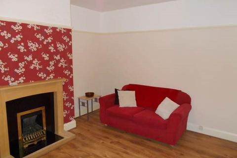 3 bedroom flat to rent - Whitefield Terrace, Heaton, Newcastle upon Tyne