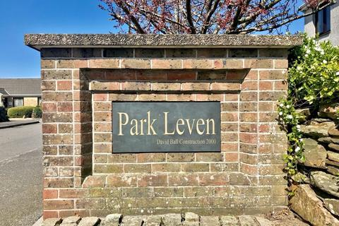 6 bedroom property for sale - 2,300 square feet of versatile space over three floors at Park Leven, Illogan village