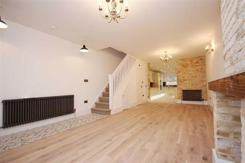 4 bedroom end of terrace house to rent - Albany Road, Walthamstow