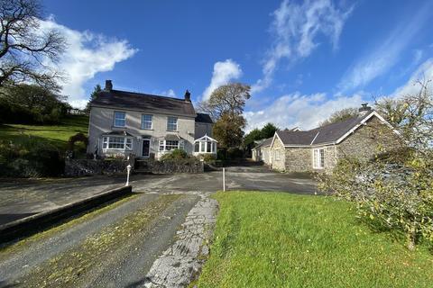 6 bedroom property with land for sale - Crugybar, Llanwrda
