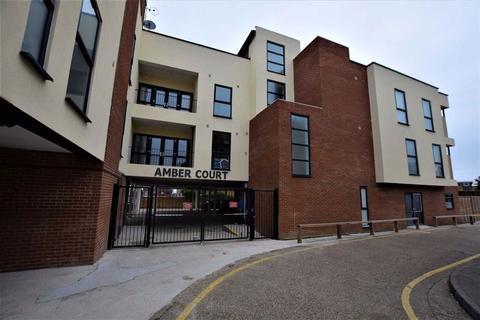 1 bedroom flat to rent - Amber Court, Corringham, Essex