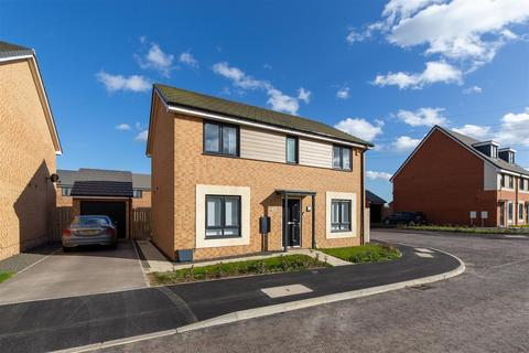 4 bedroom detached house to rent - Speckledwood Way, Newcastle Upon Tyne