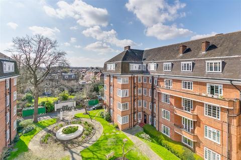 2 bedroom flat for sale - Watchfield Court, London, W4