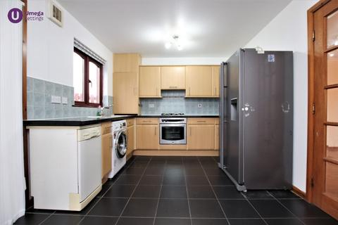 3 bedroom flat to rent - Oliphant Gardens, Musselburgh, Edinburgh, EH21