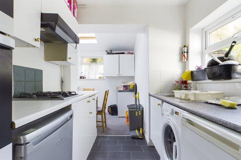 5 bedroom terraced house to rent - Upper Bevendean Avenue , Brighton BN2