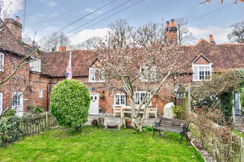3 bedroom end of terrace house for sale - Bisham Village - Fabulous Period Home