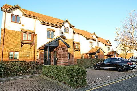1 bedroom flat to rent - David Close, Harlington, UB3 5AE