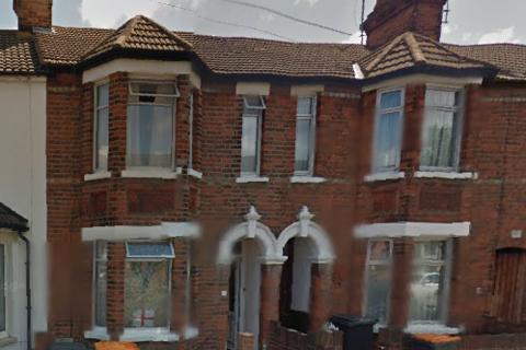 1 bedroom terraced house to rent - Room To Rent - Pembroke Street, BEDFORD