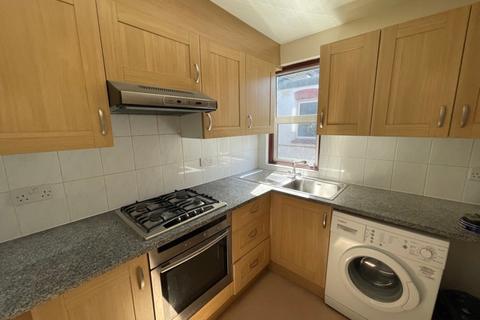 4 bedroom flat to rent - Flat B, Windsor Road, Willesden, NW2