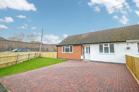 2 bedroom semi-detached bungalow to rent - Orchard Close, Witherley