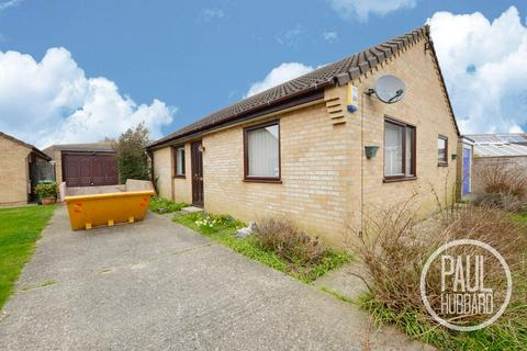 3 bedroom detached bungalow for sale - Waterland Close, Caister On Sea, Norfolk