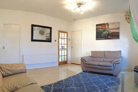 3 bedroom apartment to rent - Oglethorpe Road, Dagenham, RM10