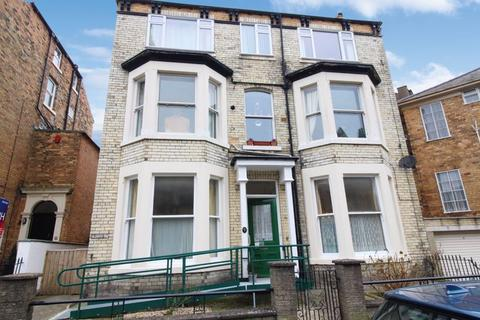 2 bedroom flat for sale - Albion Crescent, Scarborough