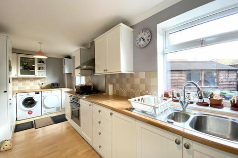 3 bedroom semi-detached house for sale - Whittle Avenue, Lower Compton