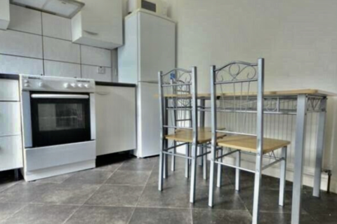 4 bedroom flat to rent - Lea Bridge Road E10, Leyton