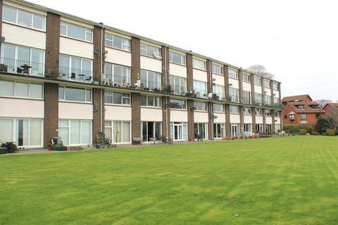 2 bedroom maisonette for sale - Huntington Court, West Cross, Swansea